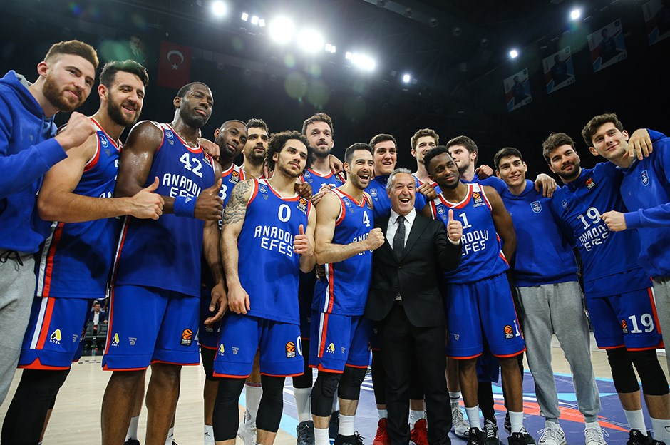 Anadolu Efes ve Real Madrid